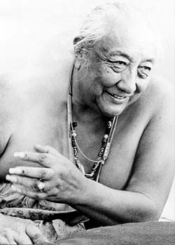 Dilgo Khyentse Rinpoche teaching (b/w) Photos 4 sizes